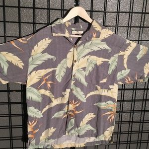 Tommy Bahama men's size Large print button down.